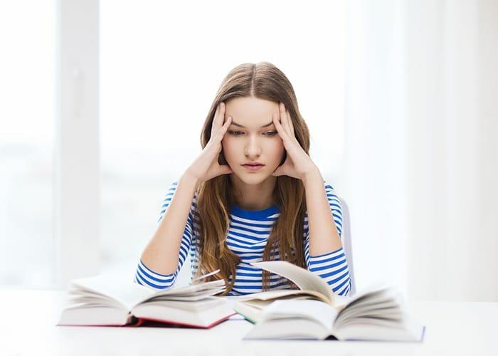 Så hjälper du din stressade tonåring