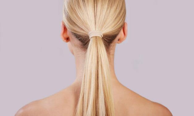 Så kan hårsnoddar slita på håret (5 misstag att undvika!)