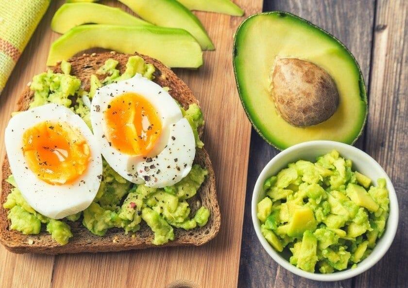 avokado och agg - livsmedel rika pa biotin